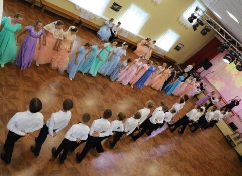 В гостях на Пушкинском балу дети из далекой Перми